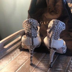 Gucci Shoes - Gucci .. high heels